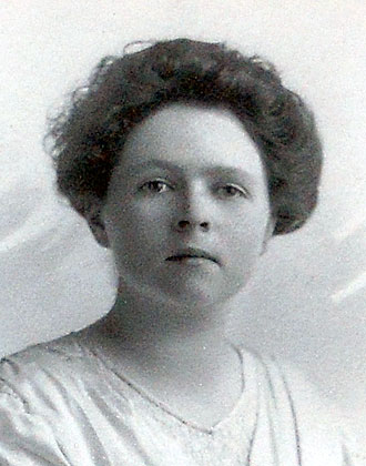 A highly intelligent woman, Grace Amelia Legg Worthington attended Wellesley College near Boston, Massachusetts, in 1915-17.