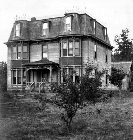 French 2nd Empire 17-room Victorian home built by MF Hamilton in 1907