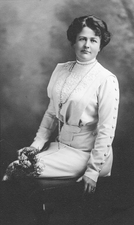 Edgar Worthington's second wife, Mabel L. Robertson