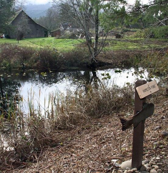 sign-pond2